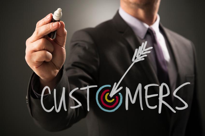 12 ترفند برای جذب مشتری